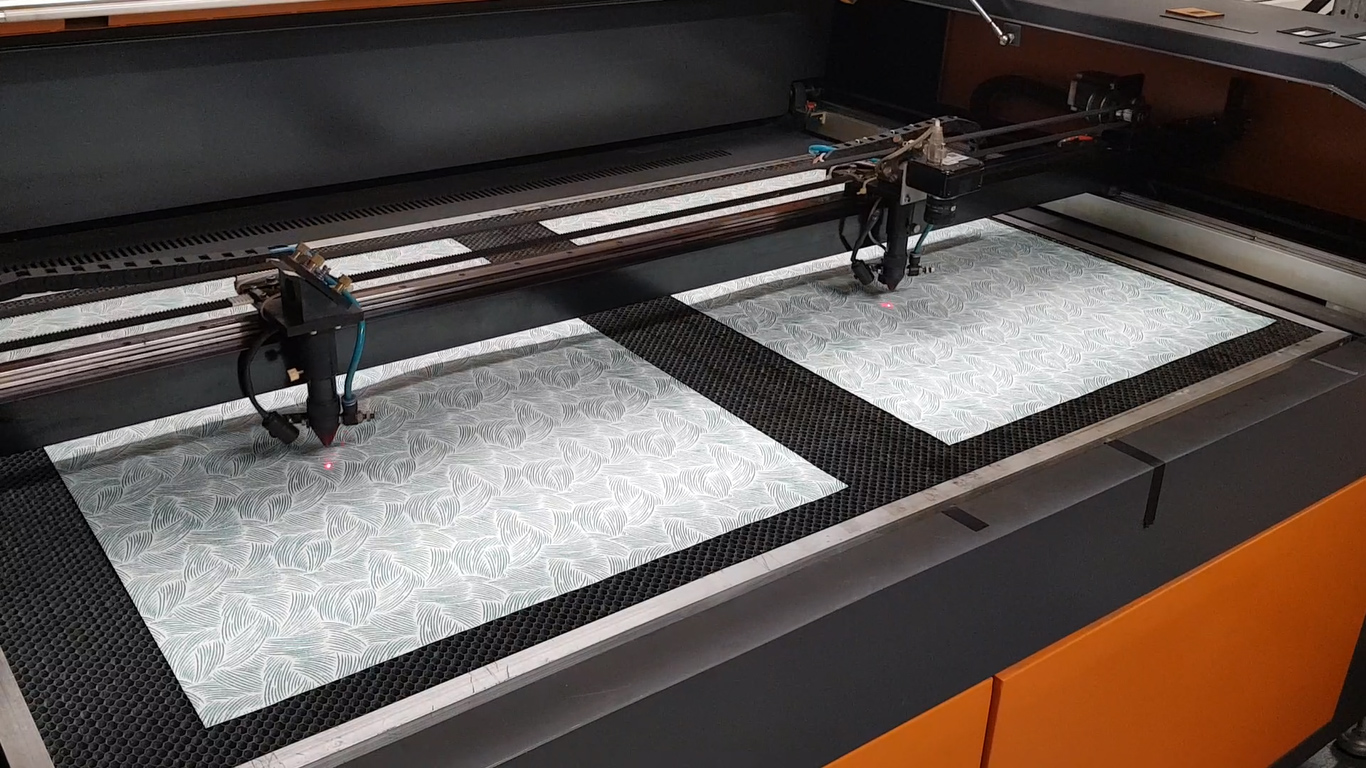 Laser Cutting & Engraving Machine - 1400x900mm Twin 80/100w CO2 with CCD Camera